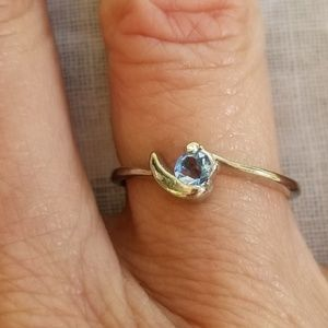 Silverplated aquamarine cubic zirconia ring 7.5